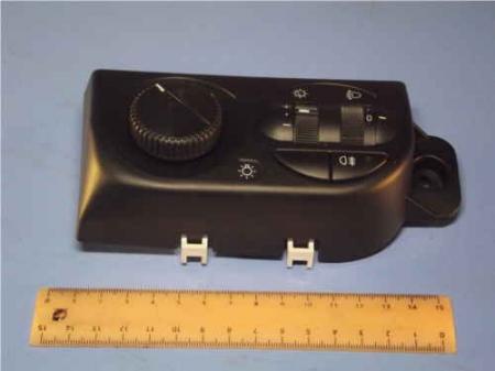Модуль управления светотехникой ВАЗ-2170 2170-3709820 / 21700370982000