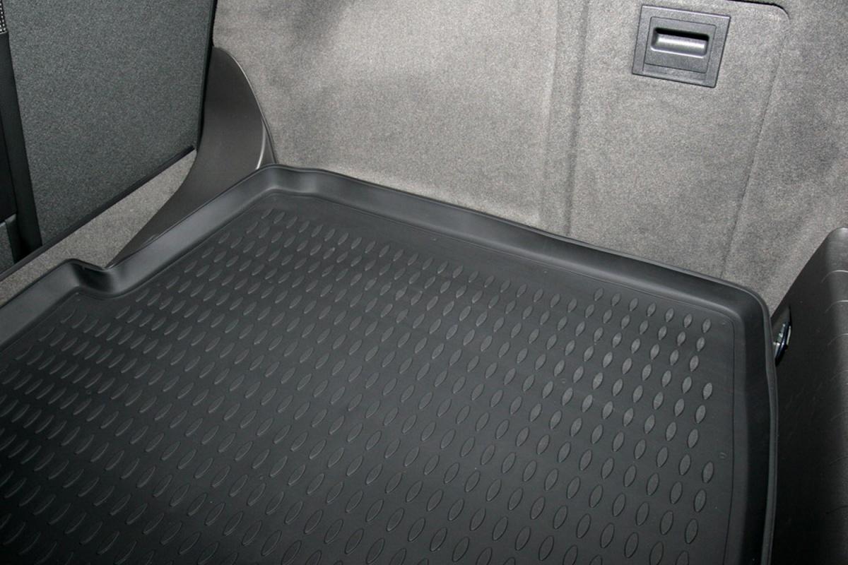 коврик в багажник Opel Vectra хб. 02-08 (полиуретан) NLC.37.16.B11