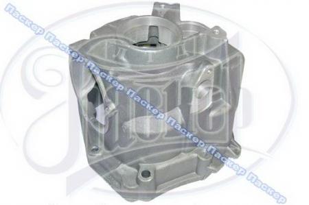 Крышка коробки передач задняя 21070-1702010-00 / 21070170201000