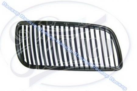 Решетка радиатора Волга  правая пластмасса 3110-8401192